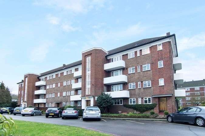 3 Bedrooms Flat for sale in Courtlands, Sheen Road, Richmond
