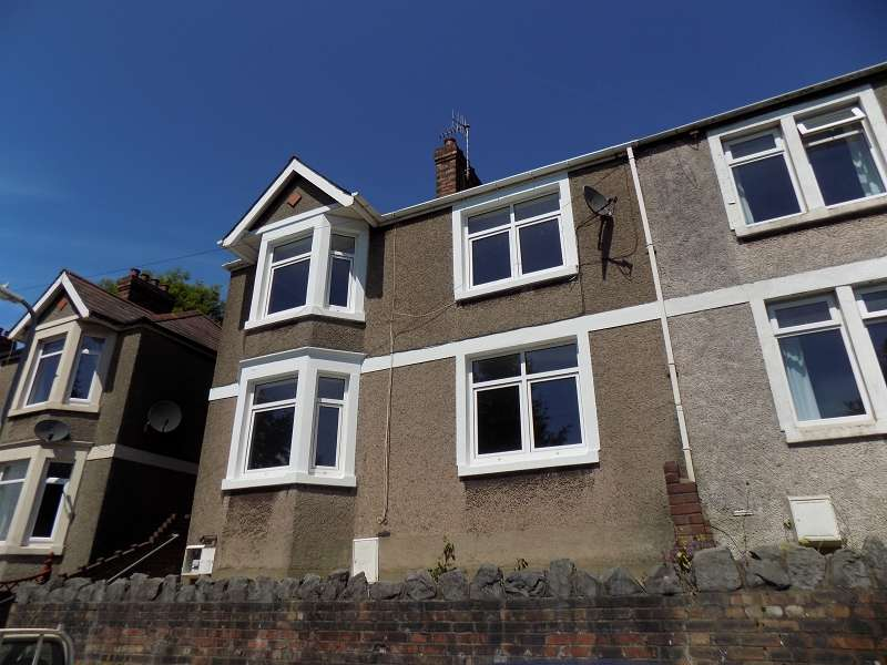 3 Bedrooms Semi Detached House for sale in Gwar Y Caeau , Port Talbot, Neath Port Talbot. SA13 2UR