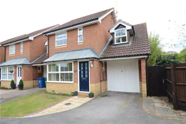 3 Bedrooms Semi Detached House for sale in All Saints Rise, Warfield