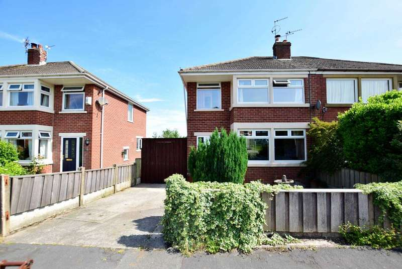 3 Bedrooms Semi Detached House for sale in Danes Close, Kirkham, Preston