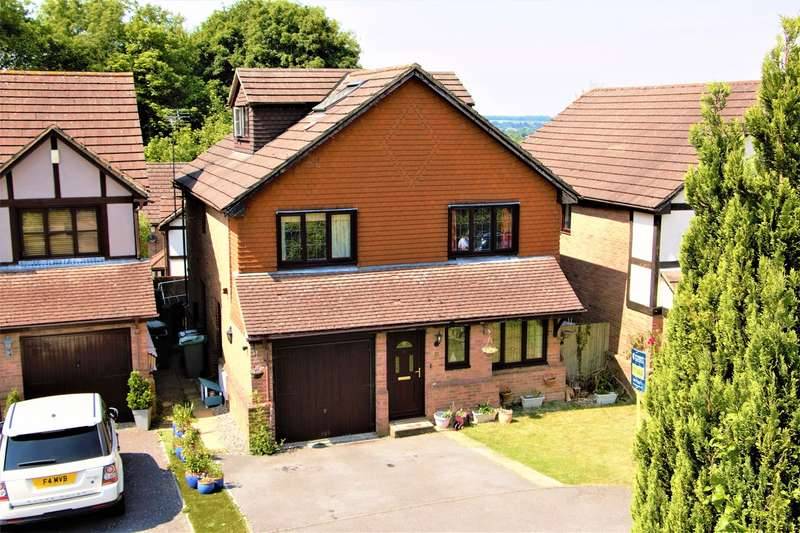 5 Bedrooms Detached House for sale in Heritage Park, Hatch Warren, Basingstoke, RG22