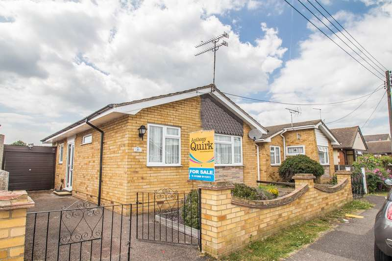 2 Bedrooms Detached Bungalow for sale in Denham Road, Canvey Island, SS8