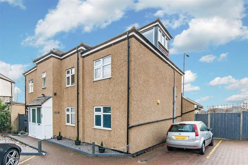 3 Bedrooms Flat for sale in Handon Court, Hendon