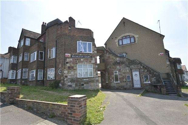 2 Bedrooms Flat for sale in Rochester Court, KINGSBURY, NW9 0TR