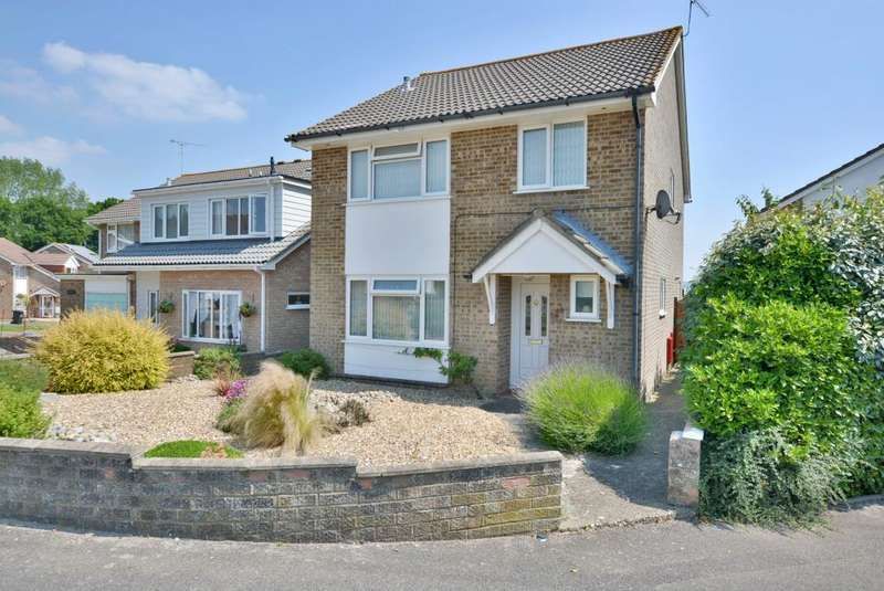 4 Bedrooms Detached House for sale in Symes Road, Hamworthy, Poole BH15 4PY