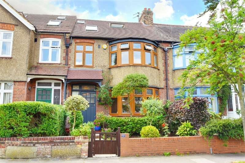 4 Bedrooms Terraced House for sale in Churston Gardens, Bounds Green, London