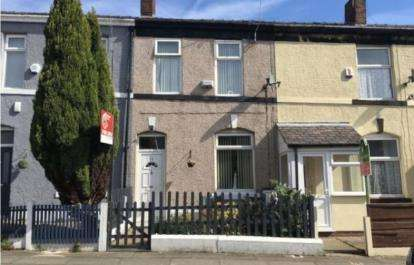 3 Bedrooms Terraced House for sale in Laurel Street, Bury, Greater Manchester, BL9