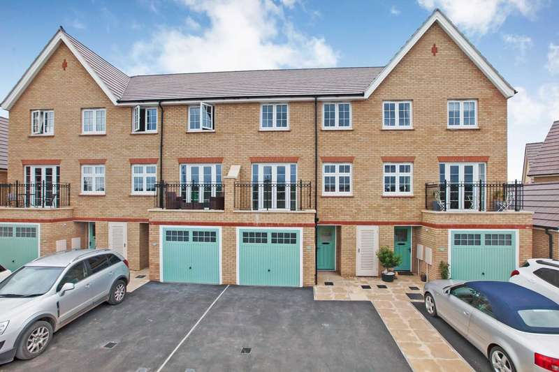 4 Bedrooms Terraced House for sale in Rossiter Close, Taunton