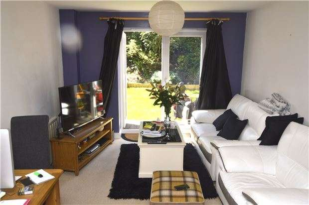 2 Bedrooms Flat for sale in Little Mill Court, Stroud, Gloucestershire, GL5 1DJ