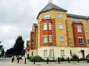 2 Bedrooms Flat for sale in Barley Mow View, Ashford, Kent