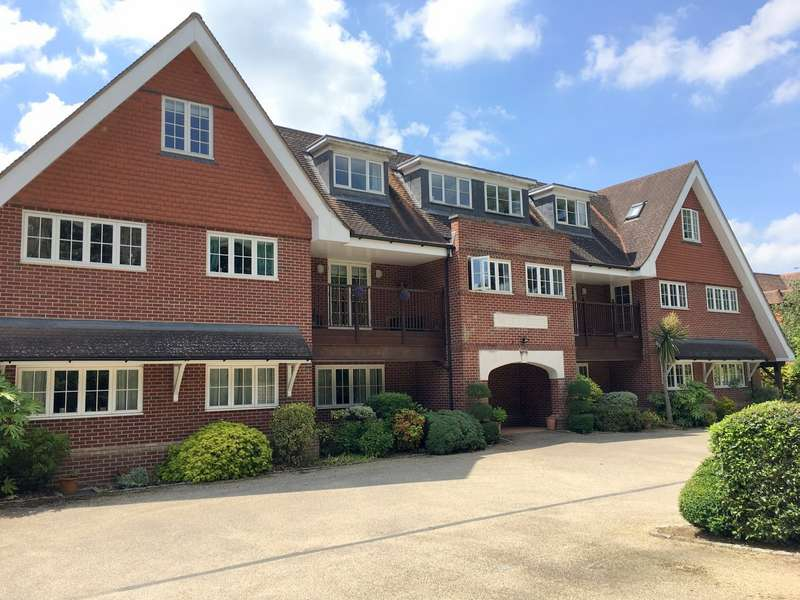 2 Bedrooms Apartment Flat for sale in Farnham