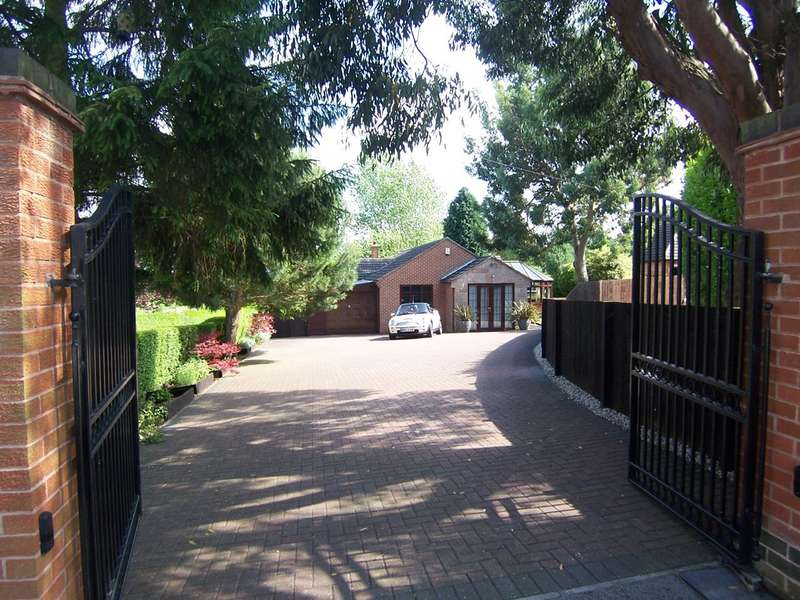 3 Bedrooms Bungalow for sale in Breach Road, Marlpool