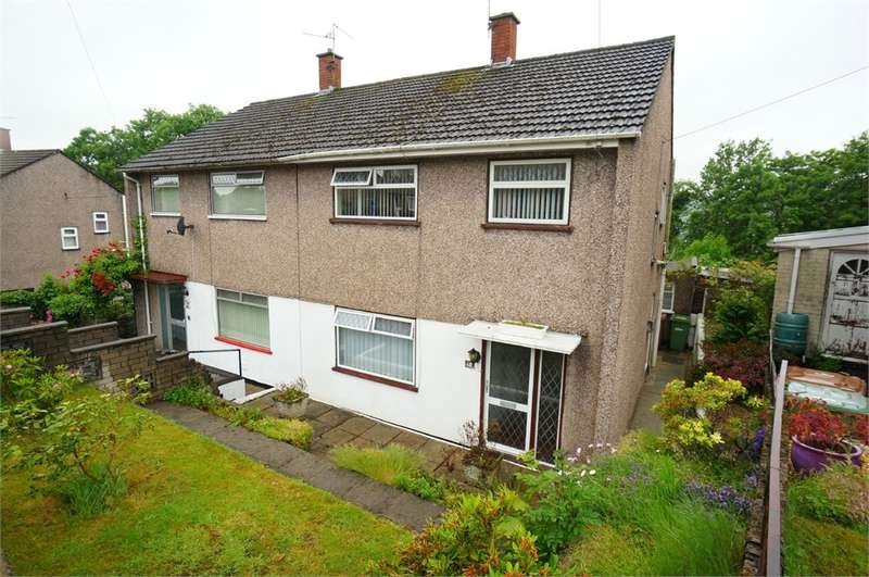 3 Bedrooms Semi Detached House for sale in Sycamore Crescent, Risca, NEWPORT, NP11