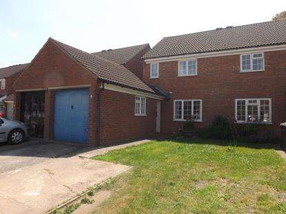 3 Bedrooms Semi Detached House for sale in Hawesmere Close, Biggleswade, Bedfordshire