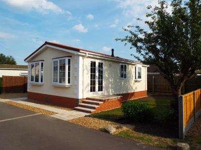 2 Bedrooms Mobile Home for sale in Bushel Lane, Soham, Ely