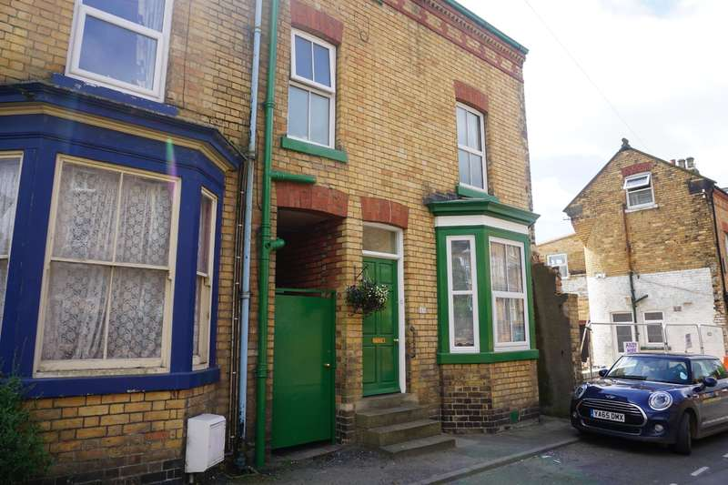 4 Bedrooms End Of Terrace House for sale in Greenfield Road, Scarborough, YO11 2LP