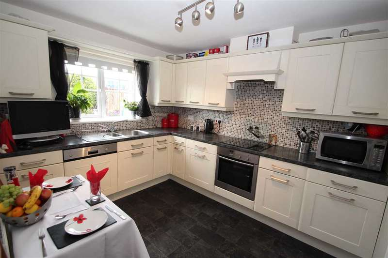 3 Bedrooms Detached House for sale in Dovecote Drive, Glenside View, Pelton Fell, Chester Le Street