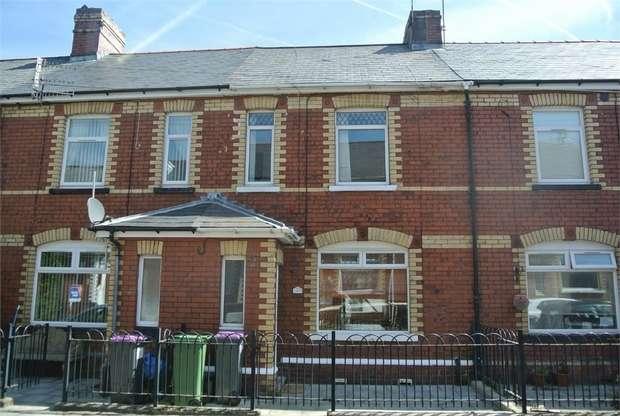 3 Bedrooms Terraced House for sale in Queen Street, PONTYPOOL, Torfaen