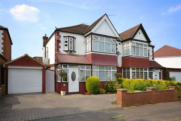 3 Bedrooms Semi Detached House for sale in Holt Road, North Wembley, Middlesex