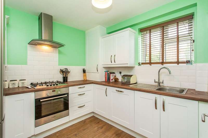 2 Bedrooms Flat for sale in Belfield Road, Pembury, Tunbridge Wells, TN2