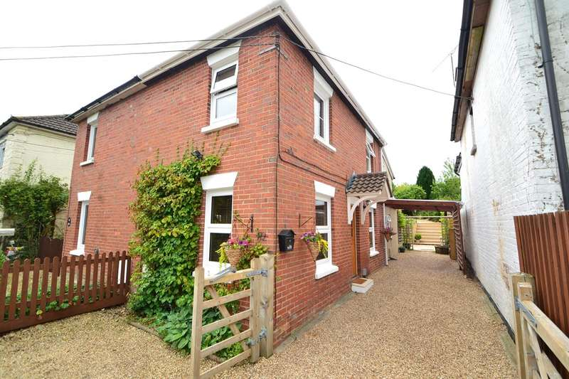 3 Bedrooms Semi Detached House for sale in Porton