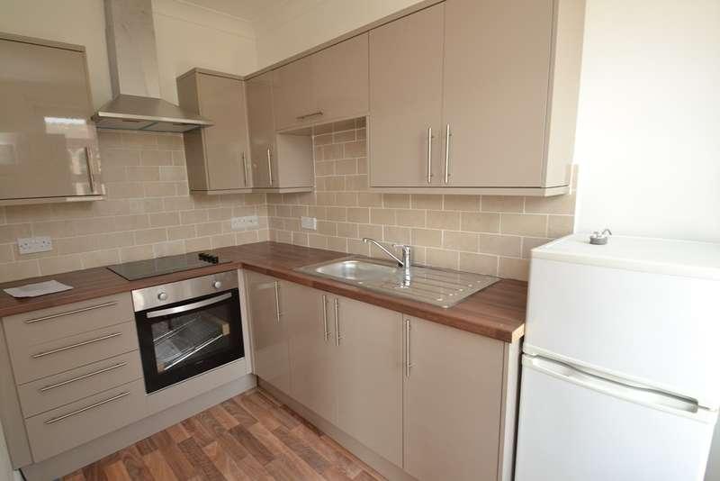 2 Bedrooms Maisonette Flat for rent in Pokesdown