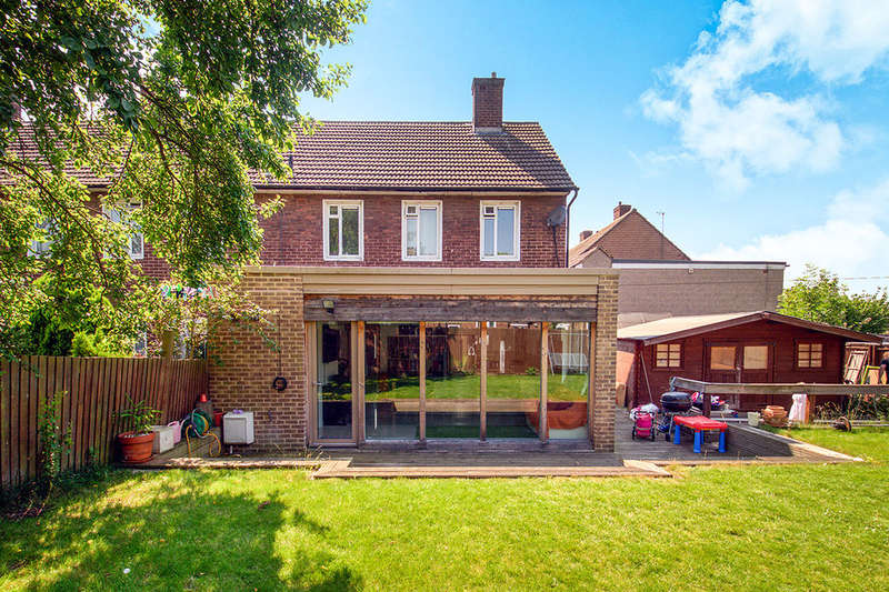 3 Bedrooms Semi Detached House for sale in Fairfax Gardens Whetstone Road, London, SE3