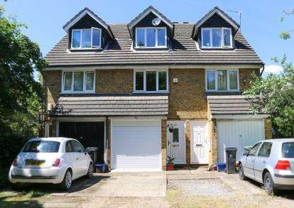 4 Bedrooms Terraced House for sale in Buckhurst Hill, Essex