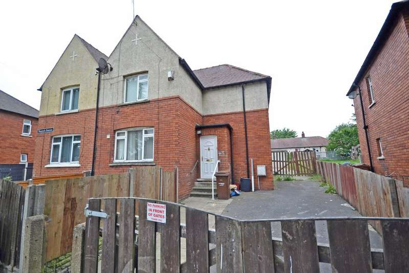 3 Bedrooms Semi Detached House for sale in Peacock Avenue, Wakefield