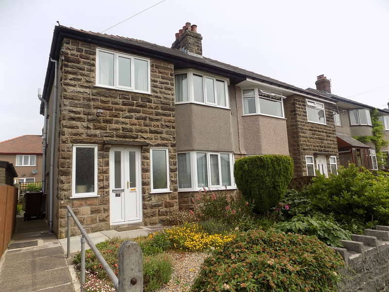 3 Bedrooms Semi Detached House for sale in Gretton Road, Fairfield
