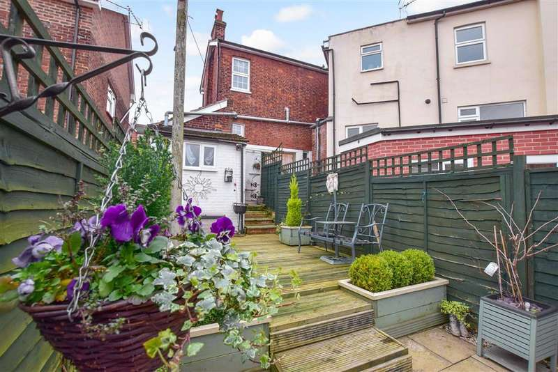 2 Bedrooms Detached House for sale in Pembury Road, Tonbridge, Kent
