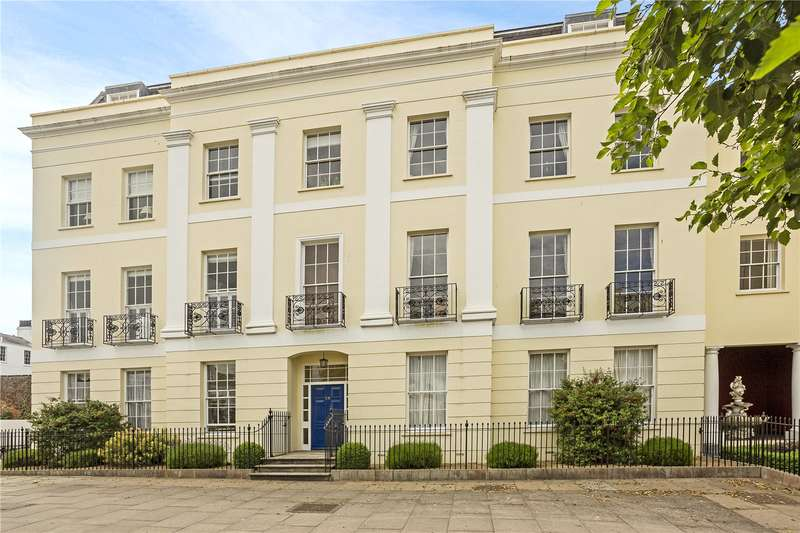 2 Bedrooms Flat for sale in The Broadwalk, Imperial Square, Cheltenham, Gloucestershire, GL50