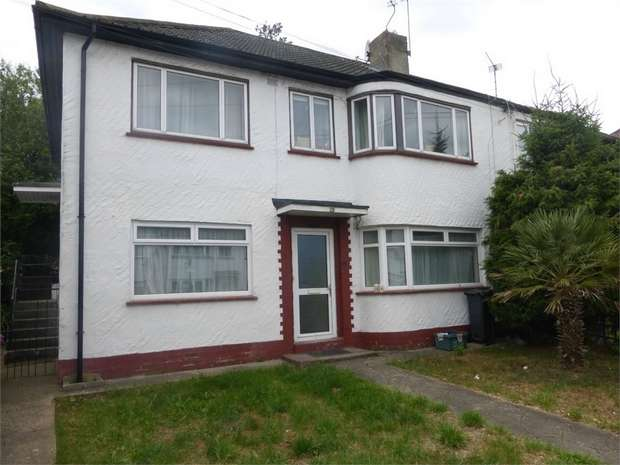 Maisonette Flat for sale in Redesdale Gardens, Isleworth, Middlesex