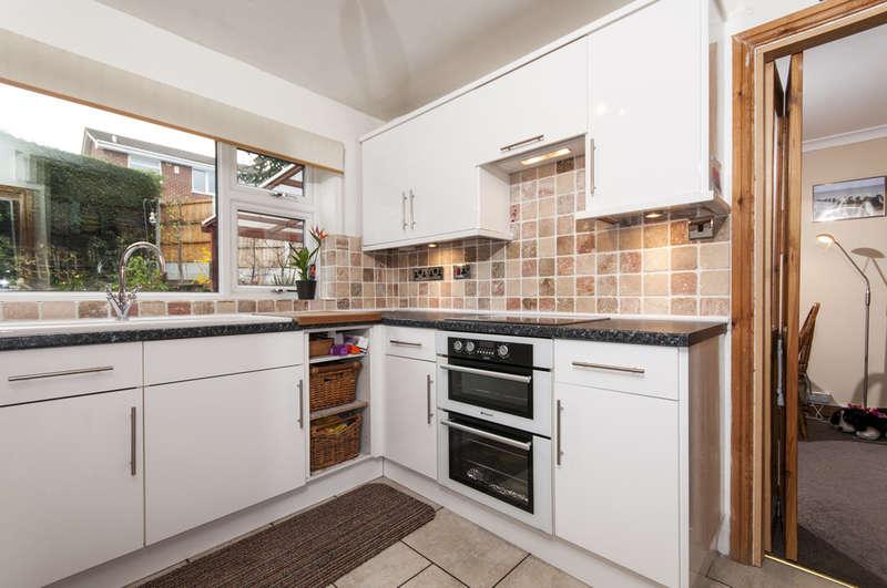 3 Bedrooms Detached House for sale in Salter Close, Castle Donington
