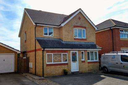 4 Bedrooms House for sale in Mayland, Chelmsford, Essex
