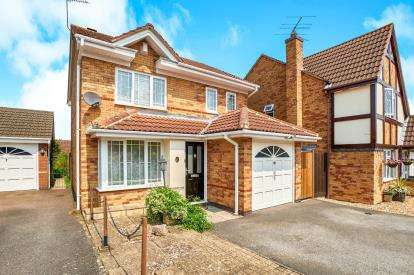 3 Bedrooms Detached House for sale in Batcheldor Gardens, Bromham, Bedford, Bedfordshire
