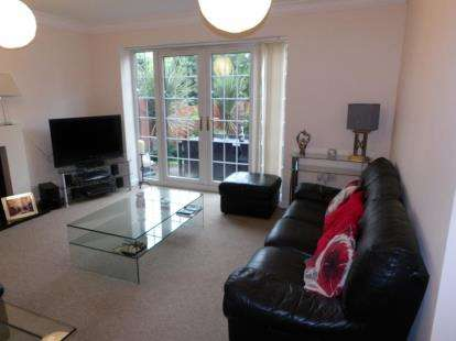4 Bedrooms Detached House for sale in Hampton Court Road, Penylan, Cardiff, Caerdydd