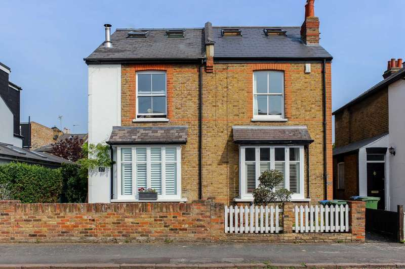 4 Bedrooms Semi Detached House for sale in Alexandra Road, Thames Ditton