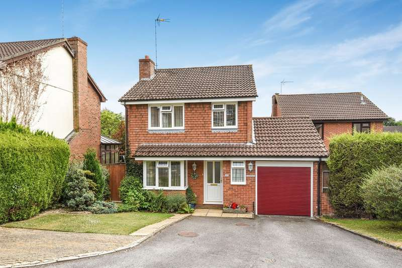 4 Bedrooms Detached House for sale in Saffron Close, Chineham, Basingstoke, RG24