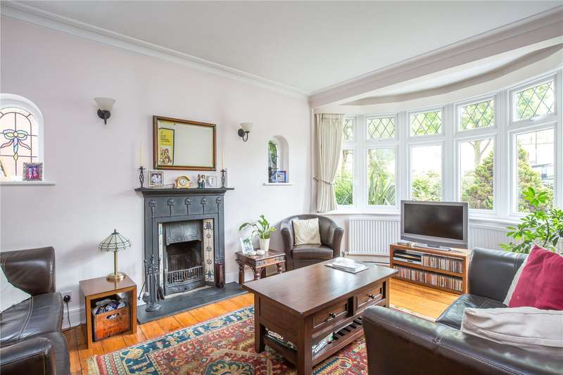 3 Bedrooms Semi Detached House for sale in Hankins Lane, Mill Hill, London, NW7