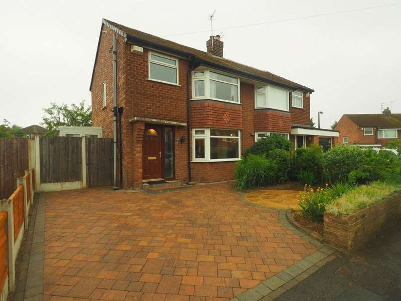 3 Bedrooms Semi Detached House for sale in Newlands Avenue, Cheadle Hulme, Cheadle, SK8 6NE