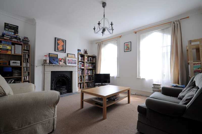 2 Bedrooms Flat for sale in Montpelier Road, London, SE15 2HB