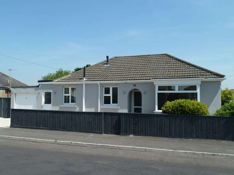 2 Bedrooms Detached Bungalow for sale in St. Margarets Road, Ensbury Park, Bournemouth