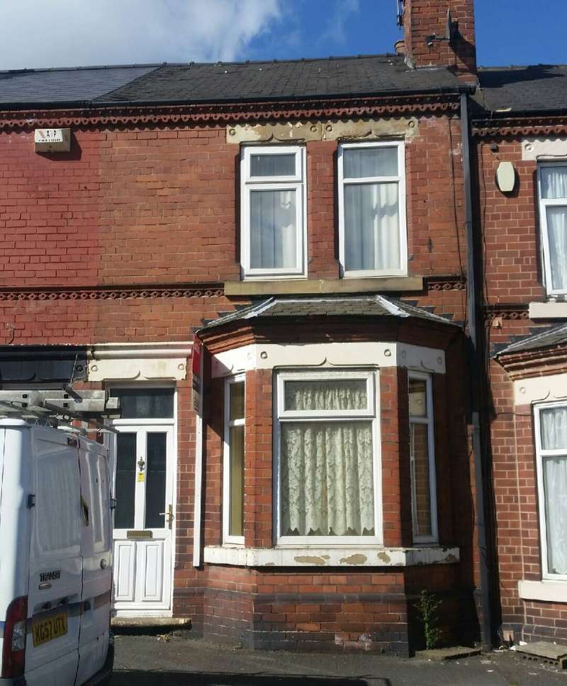 2 Bedrooms Terraced House for sale in Alexandra Road, Doncaster, South Yorkshire, DN4 0ND