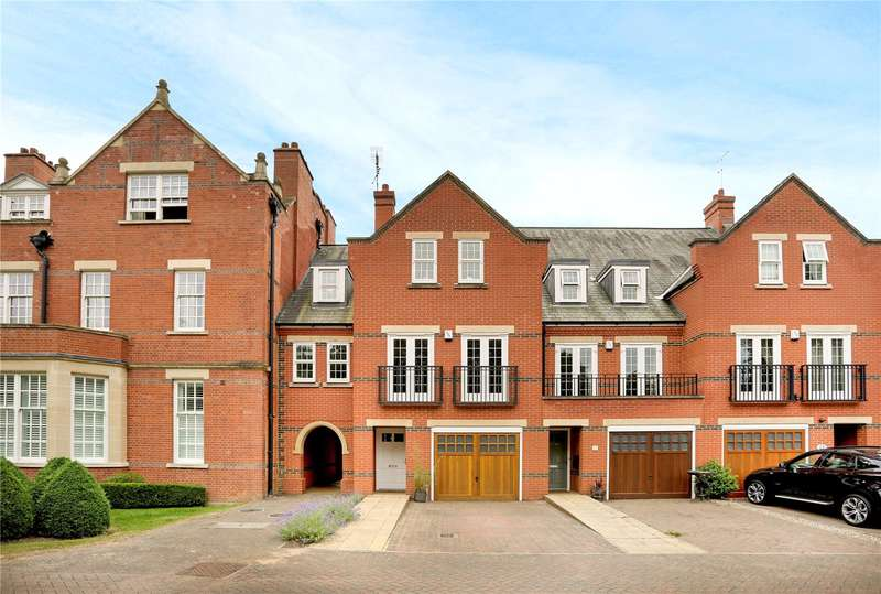 5 Bedrooms Terraced House for sale in Boyes Crescent, London Colney, St. Albans, Hertfordshire, AL2