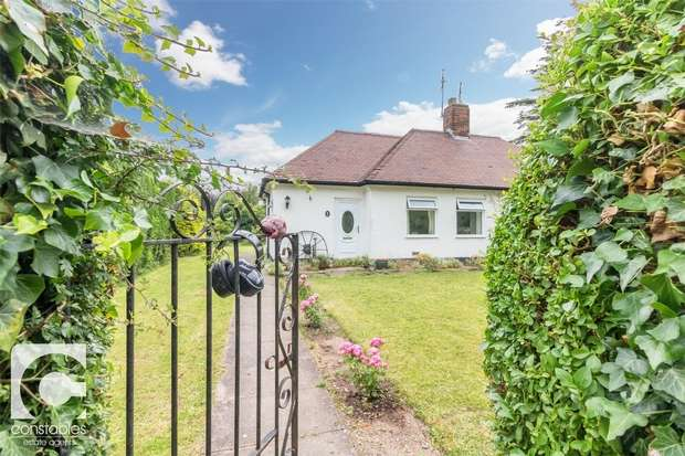 1 Bedroom Semi Detached Bungalow for sale in Rocklee Gardens, Little Neston, Neston, Cheshire