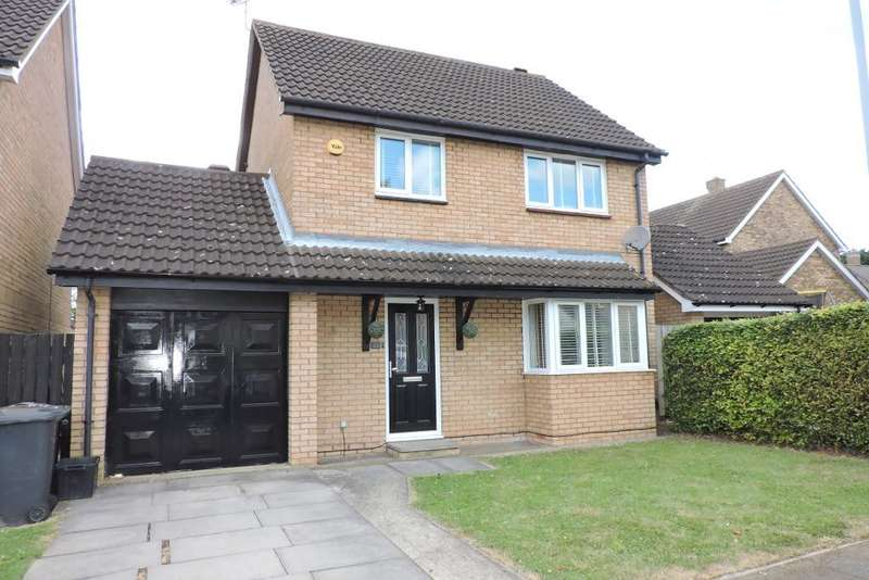 3 Bedrooms Detached House for sale in Willenhall Close, Luton, Bedfordshire, LU3 3XX