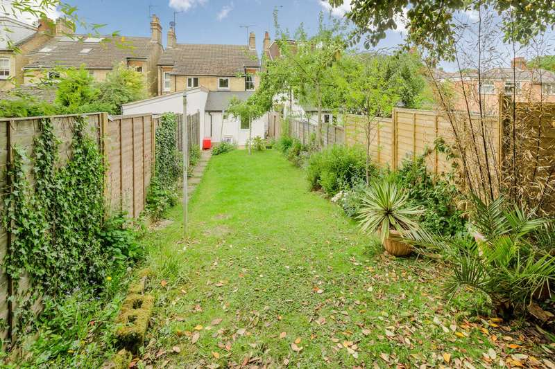2 Bedrooms Semi Detached House for sale in San Remo Road, Aspley Guise