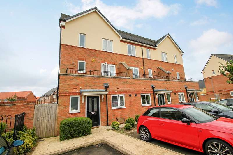 4 Bedrooms End Of Terrace House for sale in Longford Way, Stanwell, TW19