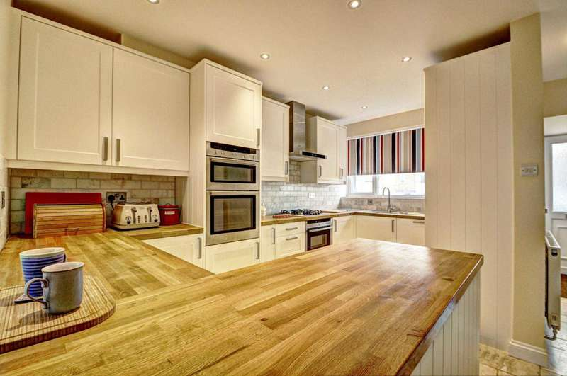4 Bedrooms Terraced House for sale in Monks Risborough